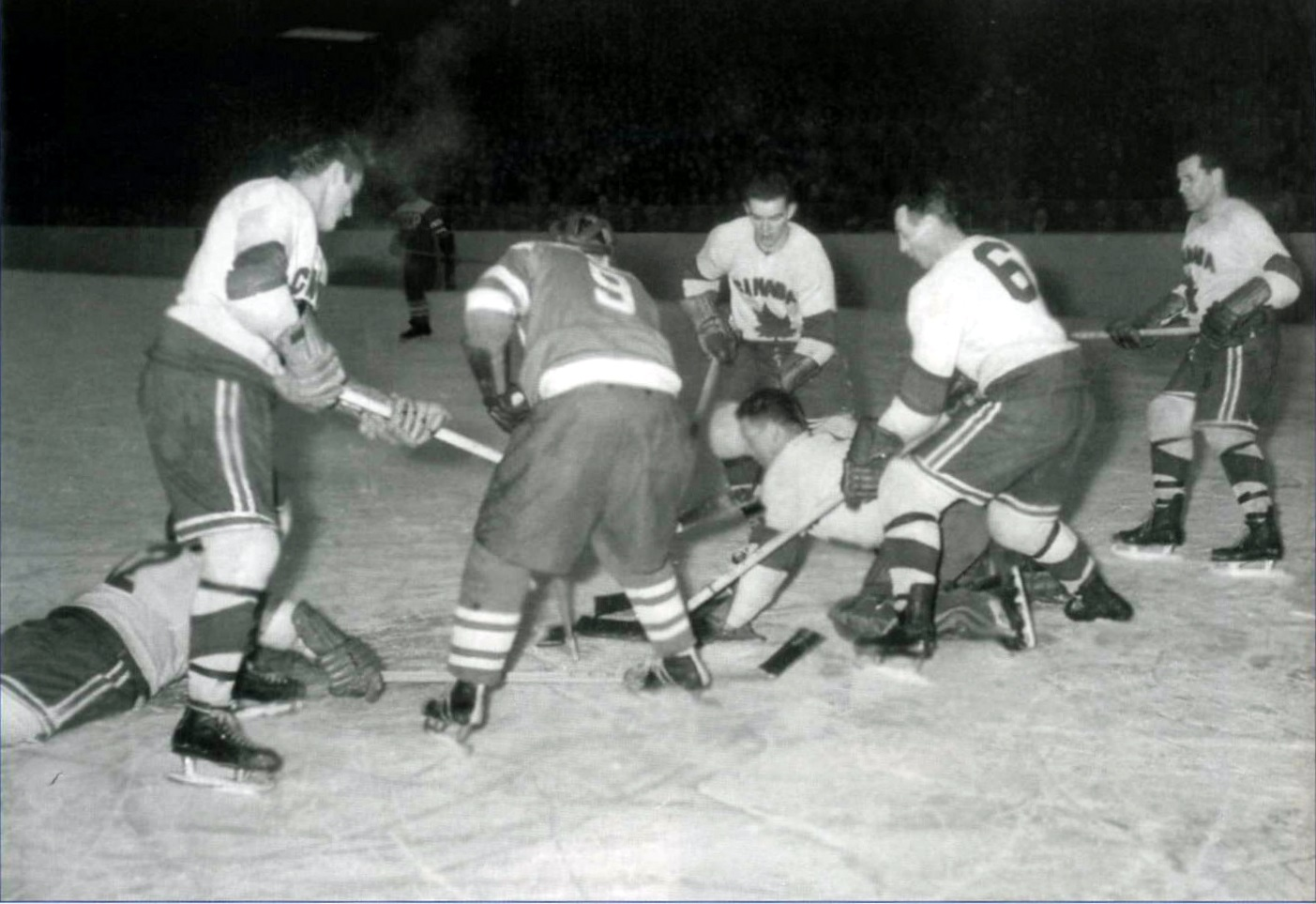 1954 ЧМ СССР-Канада.jpg