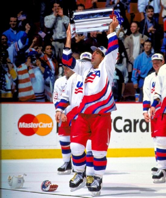 4 1996 Кубок Мира США Крис Челиос-к.jpg