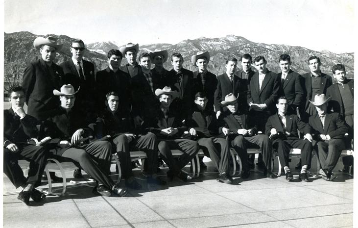 4 января 1961г. -  Колорадо-Спрингс на берегу озера. Молодёжная сб. СССР.jpg