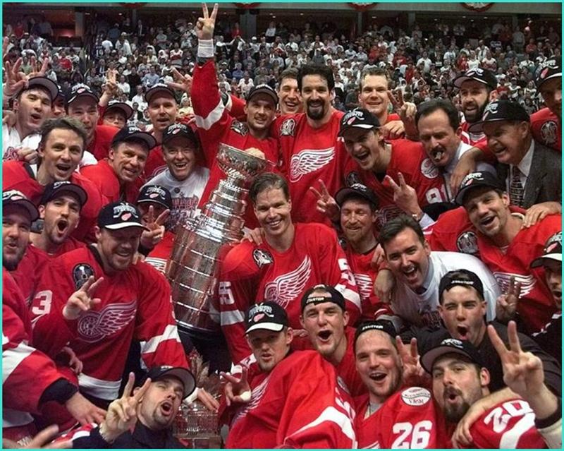 1998 NHL Stanley Cup.jpg