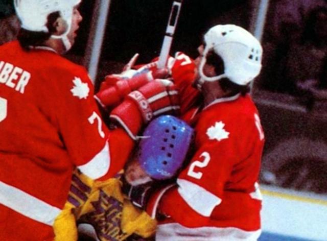 Канада - Швеция.  Вилли  Хубер  и  Барри  Лонг..jpg