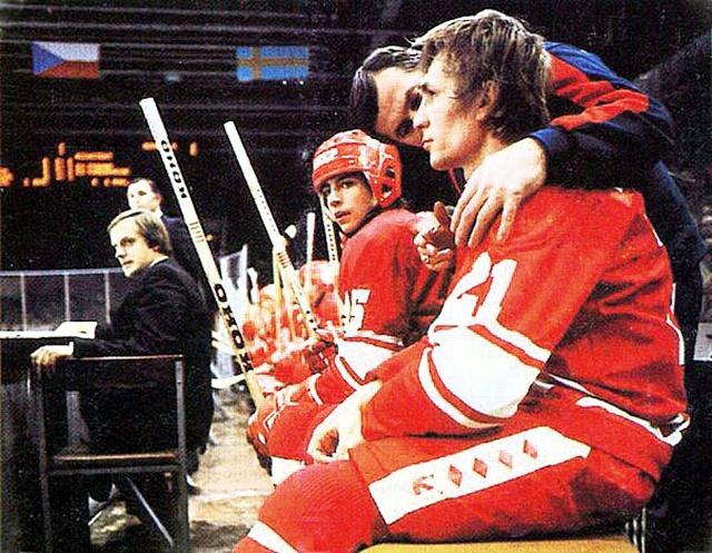 1983г  Андрей  Хомутов  и  Сергей  Шепелев..jpg