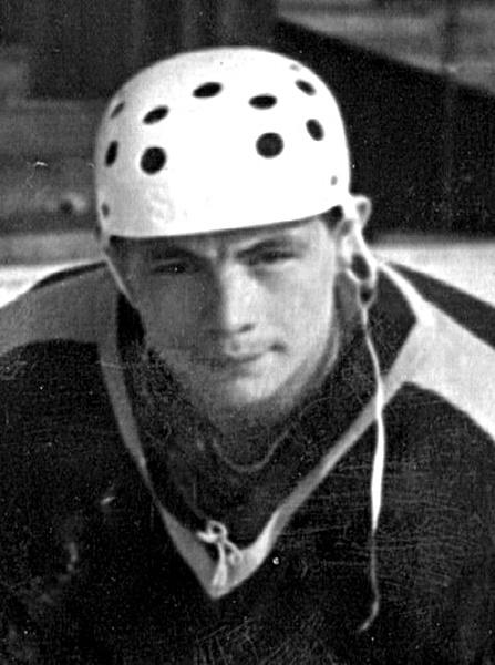 Нападающий команды СКА (Новосибирск) ЛИТВИНОВ Виктор Павлович. (Другое фото).jpg