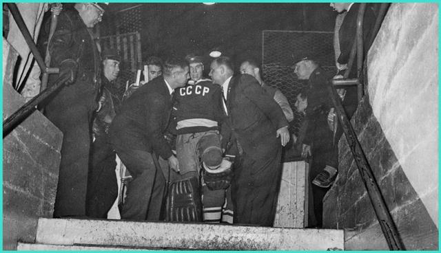 1960 год, команда Университета Денвера против Советской олимпийской сборной., матч завершился вничью   2 - 2.jpg