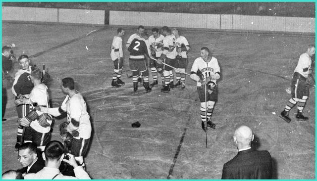 1960 год, команда Университета Денвера против Советской олимпийской сборной., матч завершился вничью  2-2.jpg