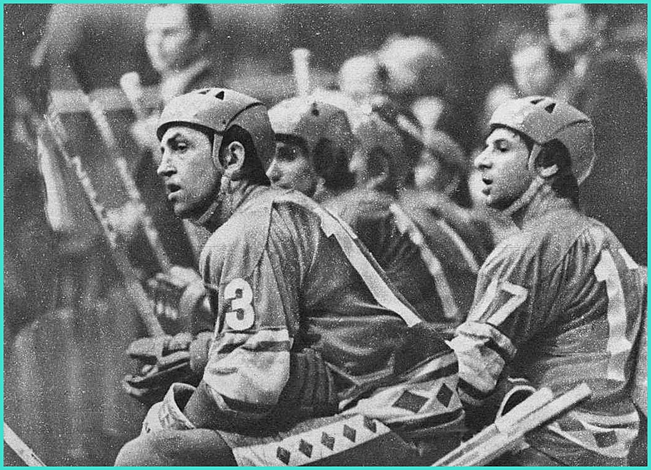 ЧМ -1978 год,  Борис Михайлов, Зинэтула Билялетдинов и Валерий Харламов.jpg
