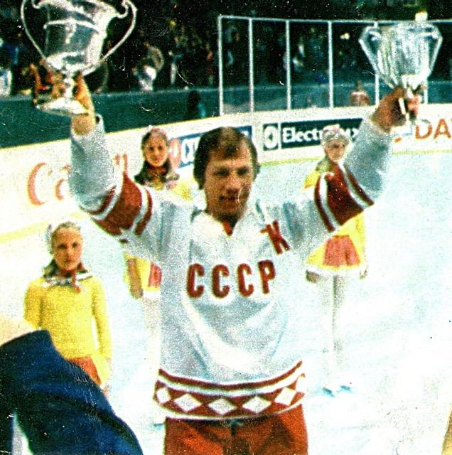 Валерий  Васильев  с  призами..jpg