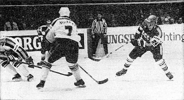 СССР - Канада  Ларри  Мерфи  против  Сергея  Макарова..jpg