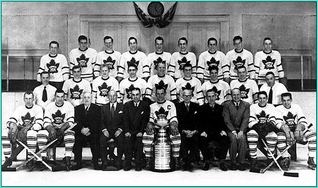 1951г.   Обладатели Кубка Стэнли 1951 года –   Торонто Мейпл Лифз..jpg