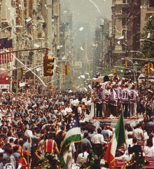 1994 - парад.JPG