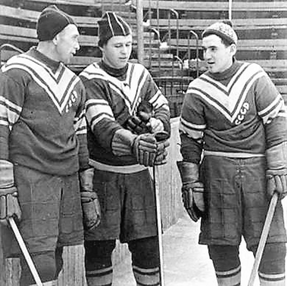 1956.OS-Cortina,Solog,Ukolov.o.Sidorenkov..jpg