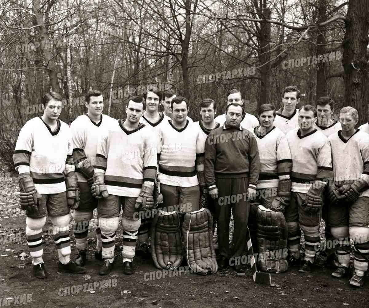 Локомотив 06 - победитель 1й лиги чемпионата СССР 1971-04 см список 1.jpg