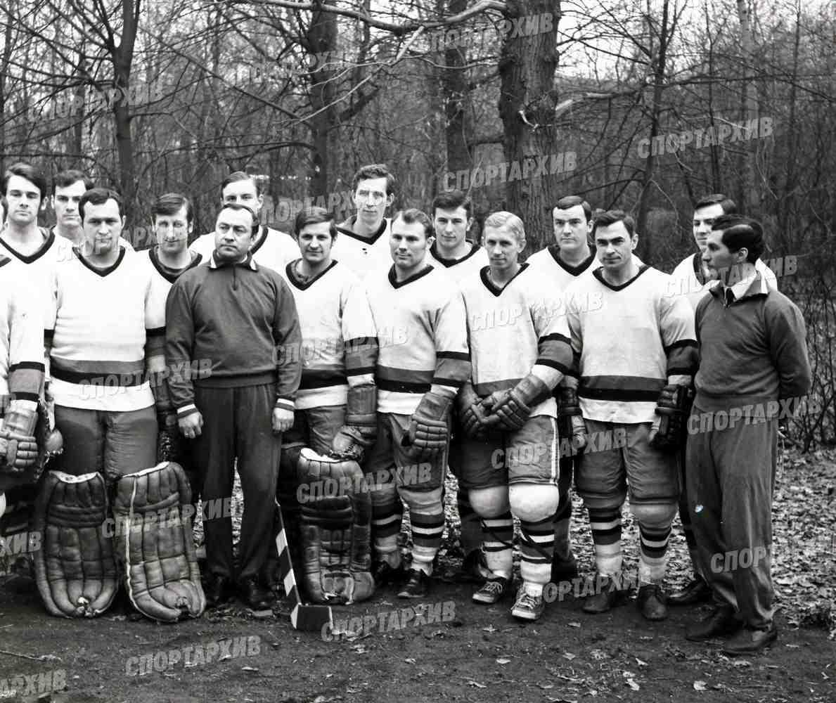 Локомотив 05 - победитель 1й лиги чемпионата СССР 1971-04 см список 1.jpg