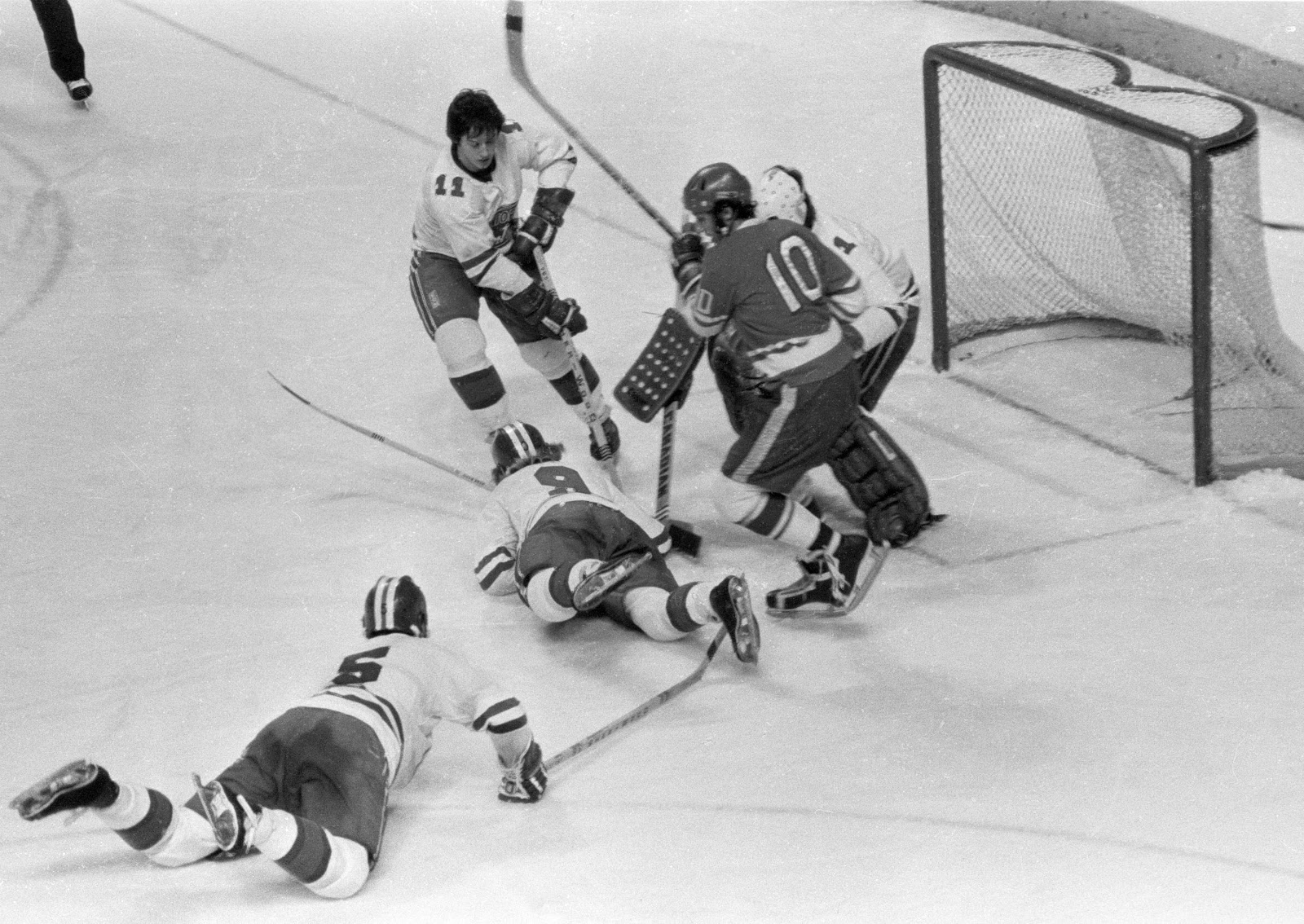 Montreal Juniors vs Soviet Selects, Dec. 1974 1.jpg