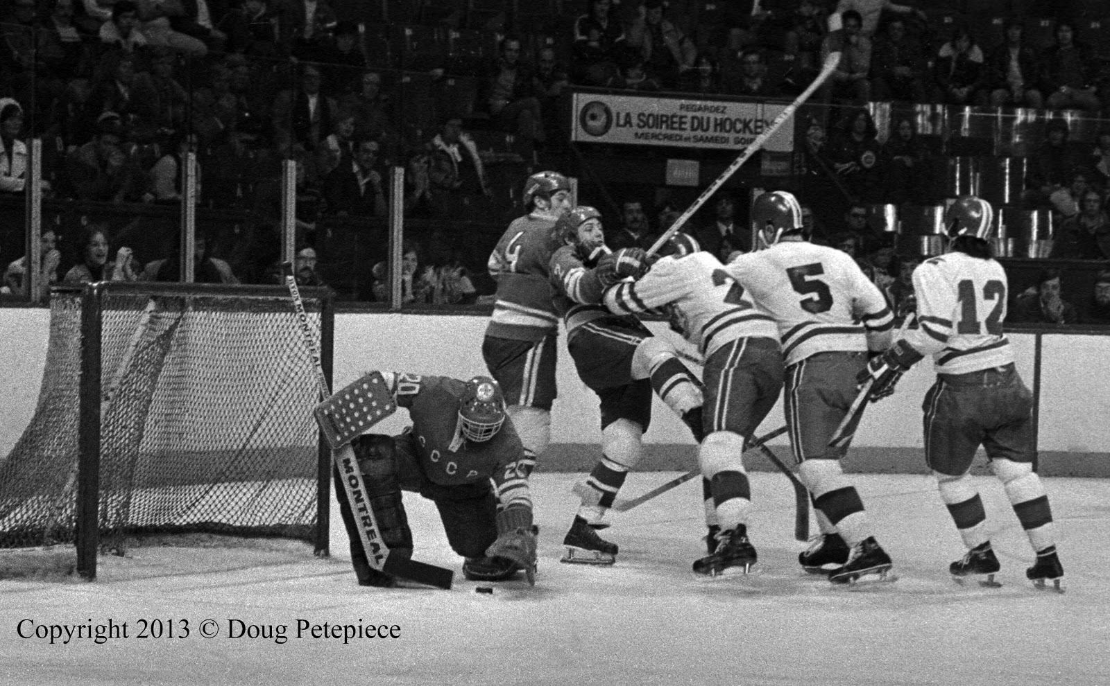 Montreal Juniors vs Soviet Selects, Dec. 1974 3.jpg