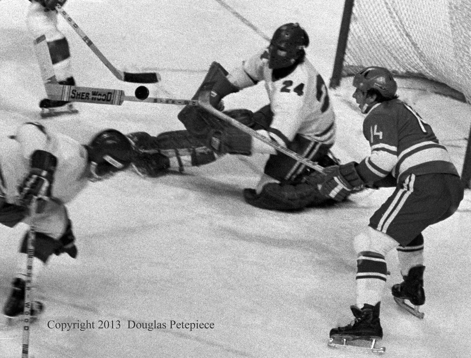 Montreal Juniors vs Soviet Selects, Dec. 1974 5.jpg